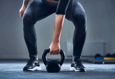 The Best Exercises with Kettlebell for the Abs